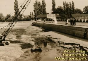 1974-entschlammung-freibad